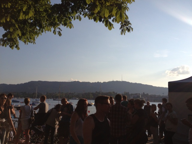 So many people by the lake!